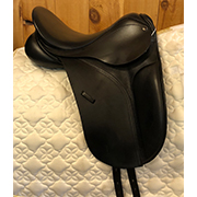 "County Competitor Dressage Saddle Medium 15.5"" Black (Used)"